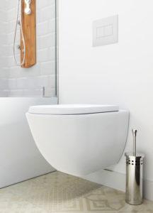 væghængt toilet montering pris